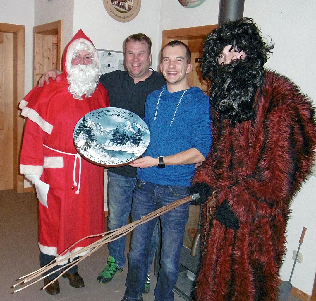 von links nach rechts: Nikolaus, Markus Huber, Marcus Kral, Krampus