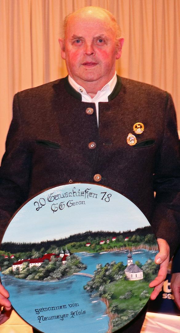 """Alois Neumeyer von der SG """"Hubertus """" Seebruck gewann die Ehrenscheibe mit einem 0,0 Teiler"""