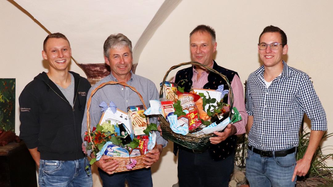 Die scheidenden mit den neu gewählten Schützenmeister von links nach rechts: Fabian Wolfertstetter, Rudolf Kaltner, Michael Huber jun. und Rudolf Kaltner jun.