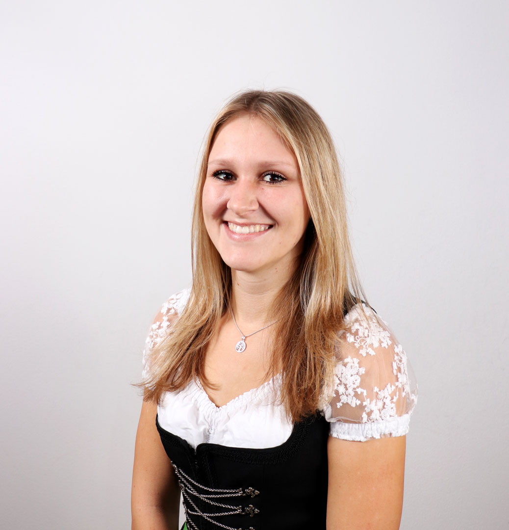 Julia Wolfertstetter