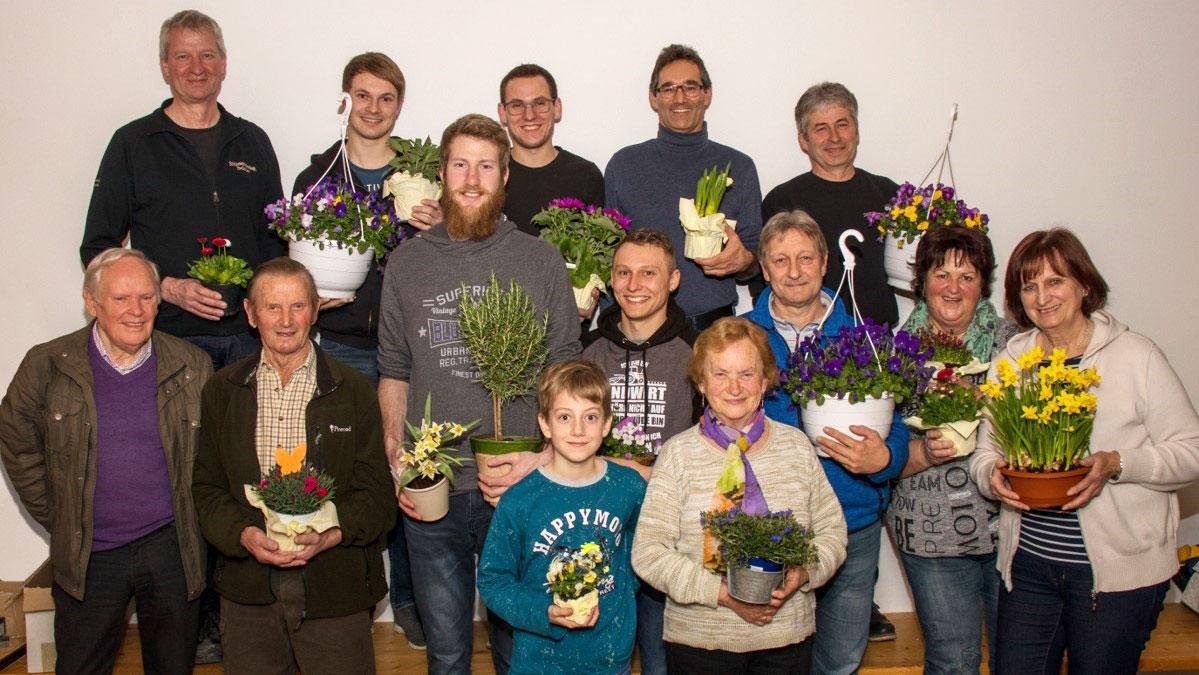 Blumengrüsse für die Josefischützen