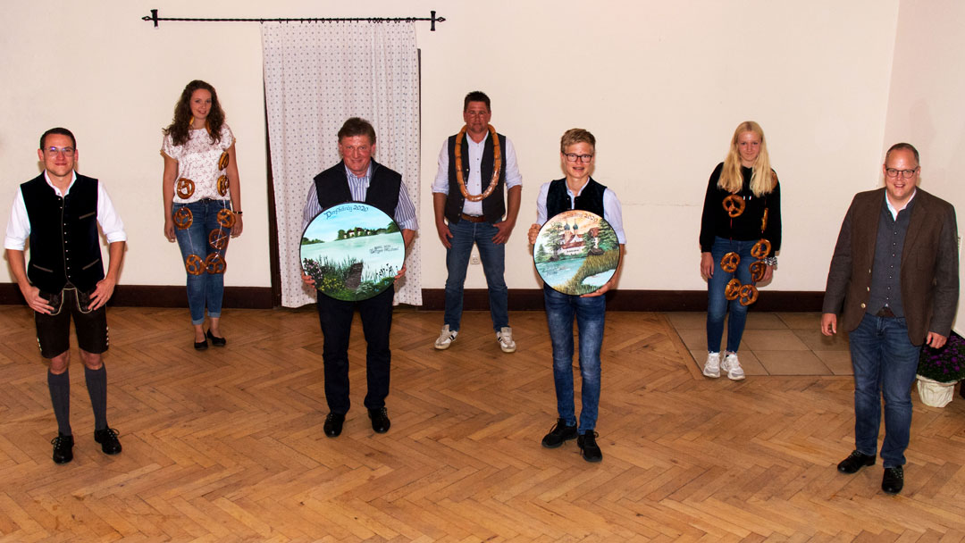 von links nach rechts: Rudi Kaltner jun., Regina Mußner, Michael Berger jun., Hubert Hartl jun., Simon Kunsteiger, Magdalena Berger und Martin Bartlweber. Es fehlt Julian Ohle.